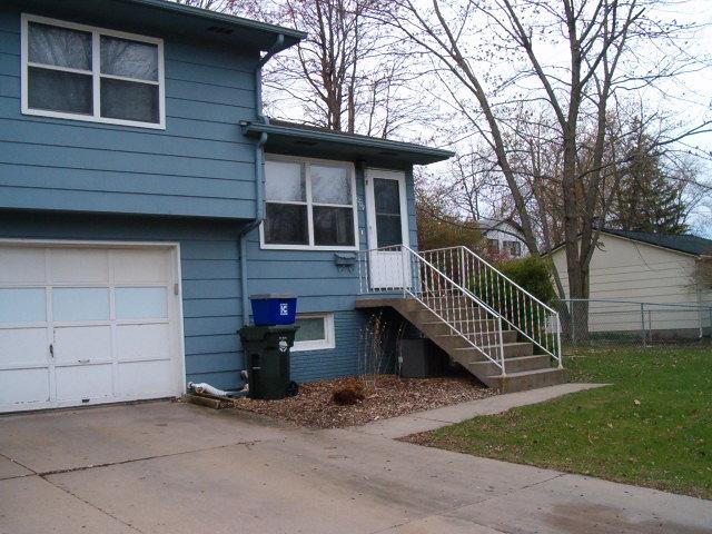 Superior 1209 Tracy Ln | Iowa City U2013 Two Bedroom Duplex For Rent | SCOTT RENTALS.COM